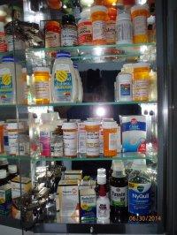 półka z lekami